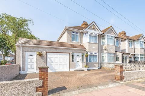 3 bedroom semi-detached house for sale - Fen Grove Sidcup DA15