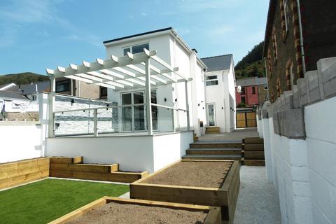 4 bedroom semi-detached house for sale - Corbett Street, Ogmore Vale, Bridgend, CF32 7AA