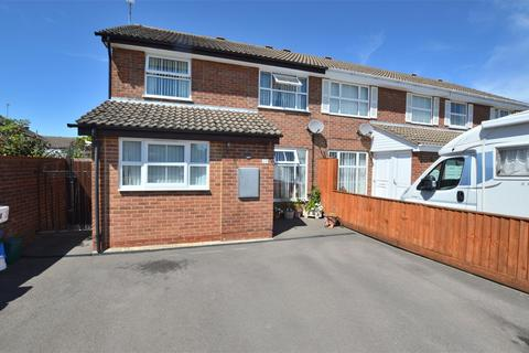 3 bedroom semi-detached house for sale - Springbank Way, Cheltenham