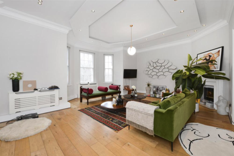 3 bedroom apartment to rent - Connaught Place, W2