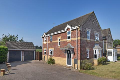 4 bedroom detached house for sale - Wilson Drive, East Winch