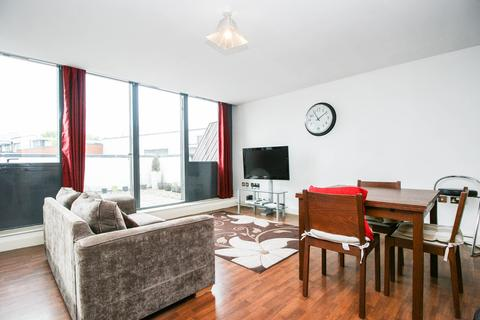 2 bedroom penthouse to rent - Voyager, City Centre