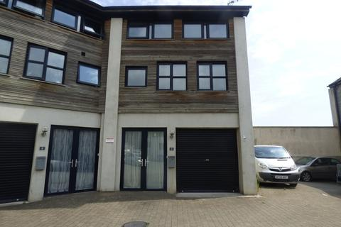 2 bedroom townhouse to rent - Kingsteignton Road, Newton Abbot
