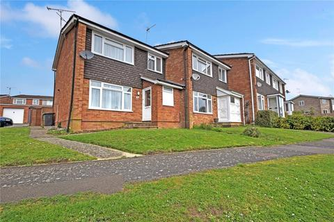3 bedroom end of terrace house to rent - Wooteys Way, Alton