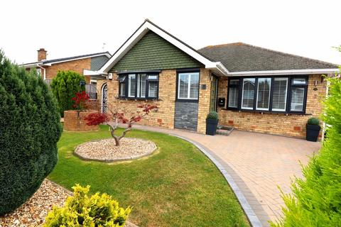 3 bedroom detached bungalow for sale - Sandsacre Road, Bridlington