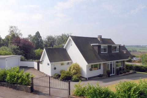 3 bedroom detached house for sale - Seabridge Lane, Newcastle