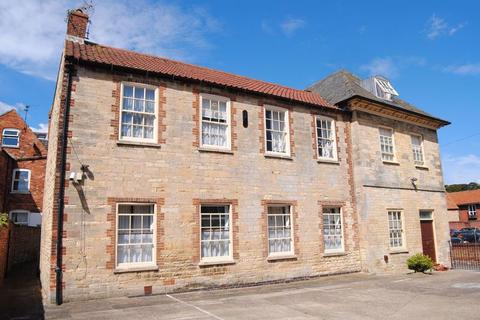 12 bedroom block of apartments for sale - Middlemore House, Apartments & Bungalow at Castlegate, Grantham