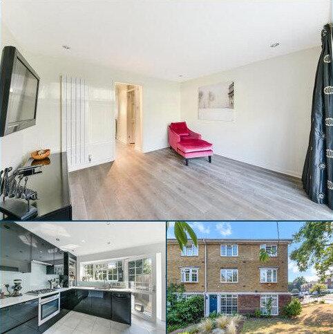 4 bedroom terraced house for sale - Kenilworth Gardens, London, SE18