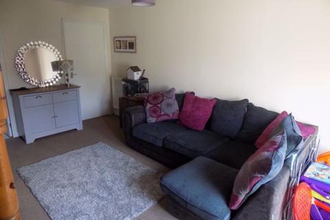 2 bedroom property to rent - Llansamlet