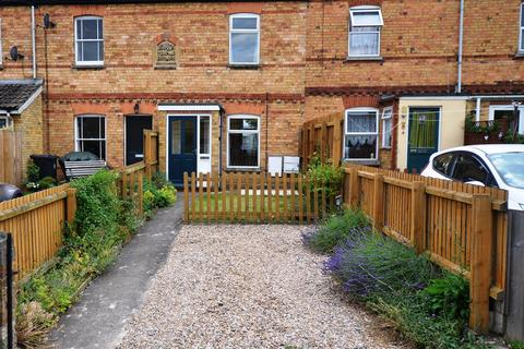 2 bedroom terraced house to rent - Recreation Ground Road, Stamford, PE9