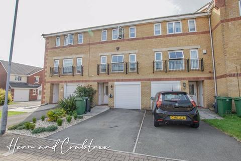 4 bedroom terraced house for sale - Armoury Drive, Cardiff