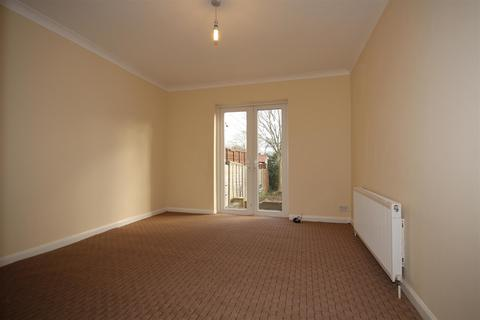 4 bedroom semi-detached house to rent - St Andrews Road, East Acton, W3 7NF