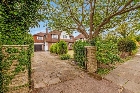 4 bedroom detached house for sale - Downs Wood, Epsom