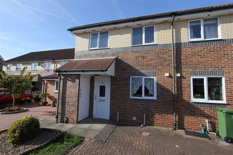 2 bedroom terraced house to rent - Scott Drive, Wickford, Essex