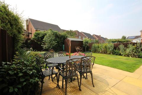 4 bedroom detached house for sale - Rigby Close, Beverley