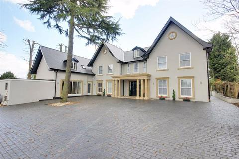 6 bedroom detached house to rent - St Ronans Close, Hadley Wood, Hertfordshire