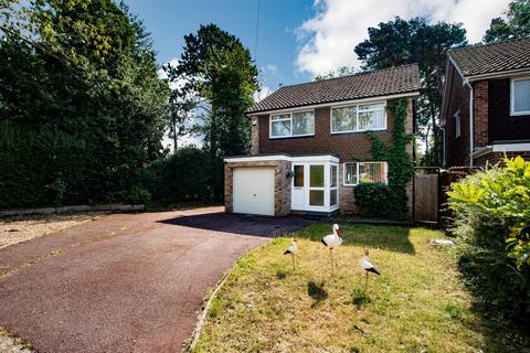 4 bedroom detached house for sale - The Mallows, Ickenham, Uxbridge