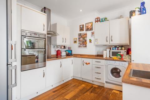 2 bedroom apartment to rent - Carthew Villas London W6