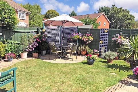 3 bedroom detached house for sale - Stafford Place, Horley, Surrey