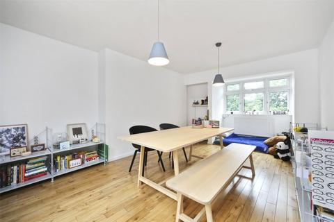 2 bedroom apartment to rent - Green Lanes London N4