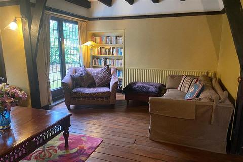 4 bedroom detached house for sale - London Road, East Grinstead, West Sussex