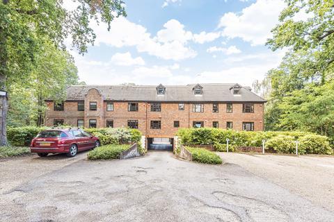 1 bedroom apartment for sale - St. Michaels Court, Princes Road, Weybridge, KT13
