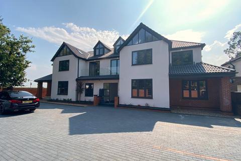 2 bedroom apartment to rent - Harefield Road, Uxbridge, UB8