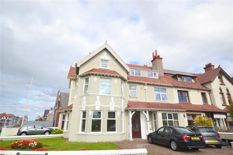 2 bedroom penthouse for sale - St. Davids Road, Llandudno, Conwy, LL30