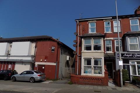 Studio to rent - Flat 3 27 Reads Avenue , Blackpool FY1 4DD