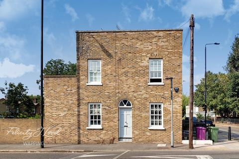 3 bedroom end of terrace house for sale - Troon Street, London, E1