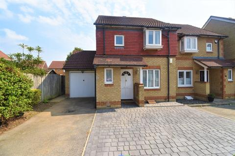 3 bedroom semi-detached house for sale - Austen Road Erith DA8