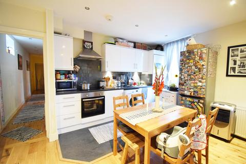 2 bedroom apartment to rent - Admiral Court, Lomond Grove, Camberwell SE5
