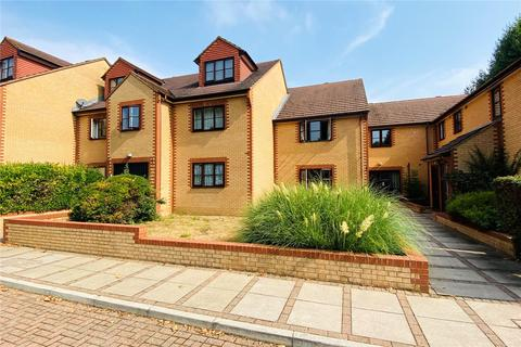 2 bedroom apartment for sale - Blenheim Court, Avenue Road, Staines, Surrey, TW18
