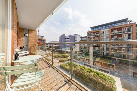 1 bedroom flat for sale - Battersea Park Road, SW8