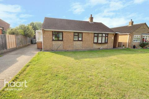 2 bedroom bungalow for sale - Colster Way, Grantham