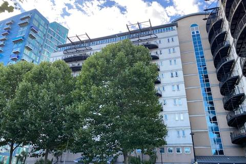 2 bedroom block of apartments to rent - stratford E15