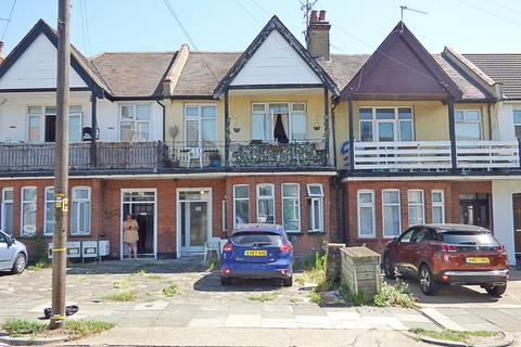 Studio for sale - 36 Surbiton Avenue, Southend-on-Sea, Essex, SS1