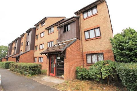 2 bedroom flat to rent - Grilse Close, London, N9