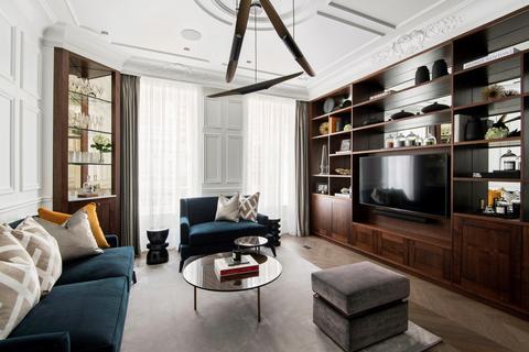 2 bedroom flat for sale - Bentinck Street, London, W1U