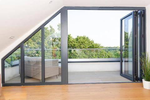 3 bedroom flat for sale - Connaught Grange, N10