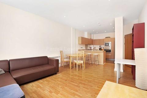 3 bedroom flat for sale - Bromyard Avenue, Acton, W3 7BN