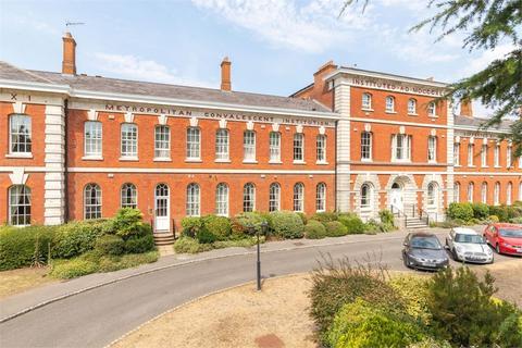 2 bedroom flat for sale - Ellesmere Place, WALTON-ON-THAMES, Surrey