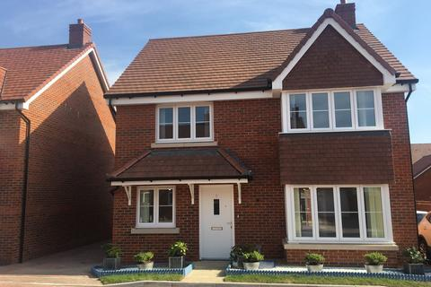 4 bedroom detached house to rent - Duckett Road, Kings Gate, Amesbury