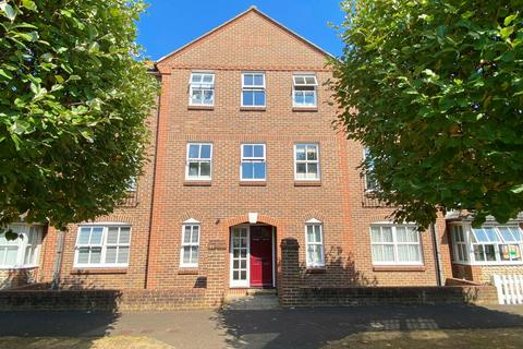 2 bedroom apartment for sale - Parkside, High Street, Worthing, West Sussex, BN11