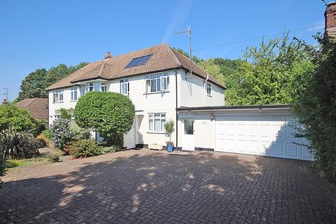 6 bedroom detached house for sale - Shelvers Way, Tadworth, Surrey. KT20