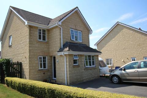 3 bedroom detached house to rent - Robins Close, Chippenham