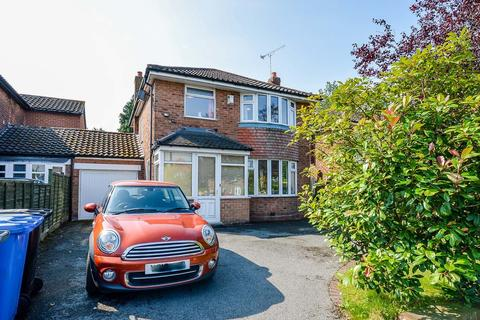 3 bedroom detached house to rent - Shaftesbury Avenue, Timperley, Altrincham