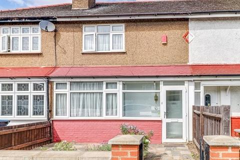 3 bedroom terraced house for sale - MIDDLEHAM ROAD, EDMONTON