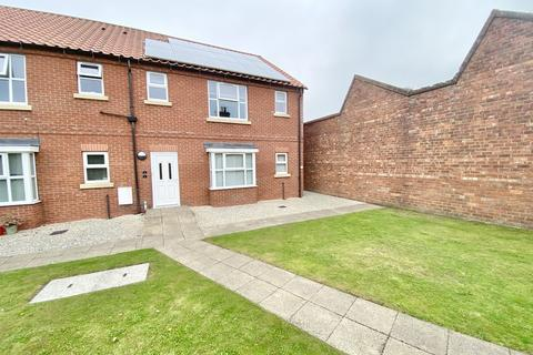 2 bedroom ground floor flat for sale - Cricketers Court, Driffield
