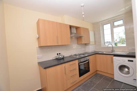 3 bedroom flat for sale - Victoria Road, Ruislip